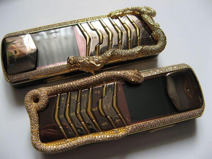 Vertu Signature Cobra - Expensive Smartphones