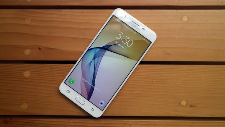 Samsung Galaxy J7 Prime-Best phone at rs 15000