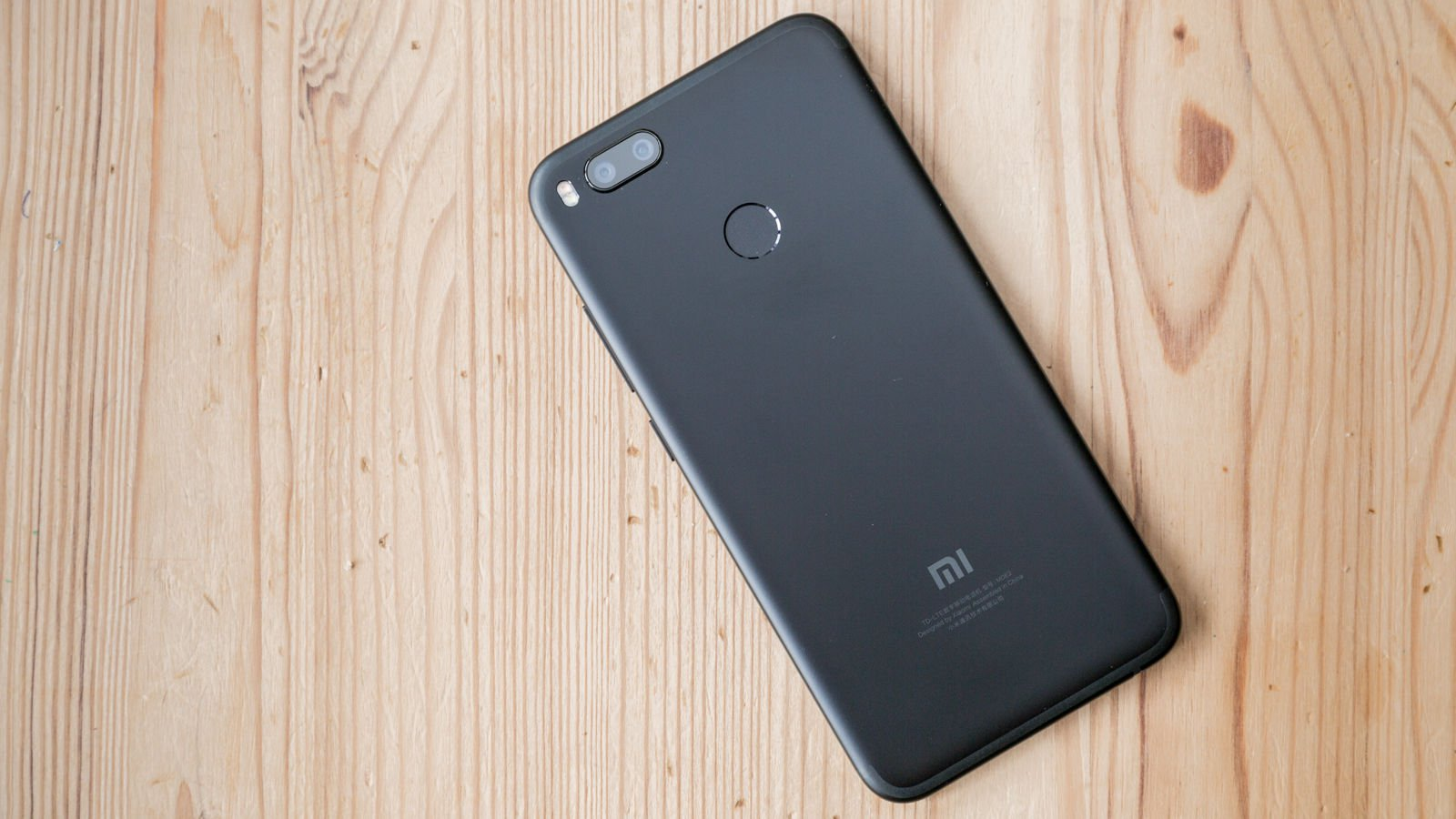 Xiaomi Mi A1 - Best phones under Rs 17000